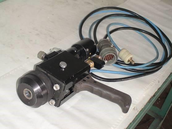 Металлизатор (ручной аппарат для активированной дуговой металлиза-ции) (АДМ)